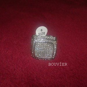 18K Solid White Gold Diamond GM Luxury Ring